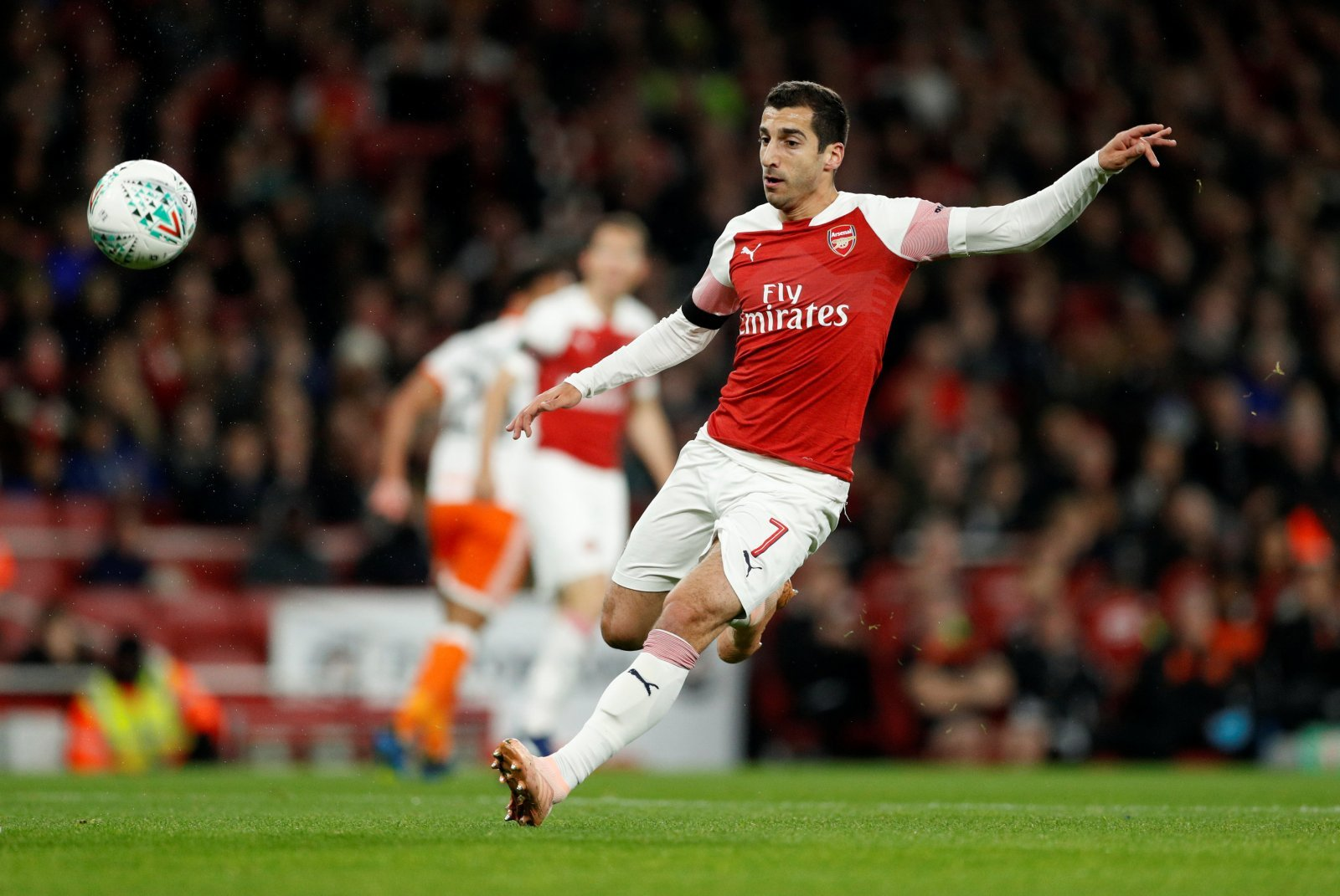 Arsenal fans take to Twitter to call for Henrikh Mkhitaryan return