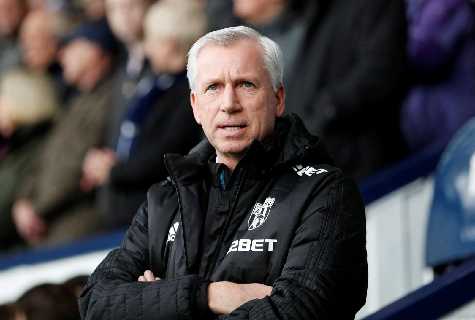 Replacing under-fire Mark Hughes with Alan Pardew would make absolutely no sense at all