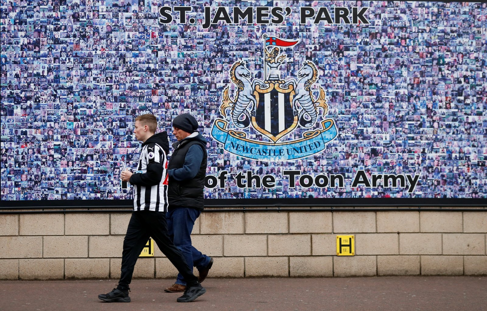 Takeover report suggests Mike Ashley has taken decisive step to convince Peter Kenyon's consortium to invest