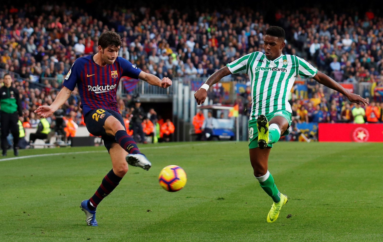Junior Firpo would be an excellent addition for Arsenal