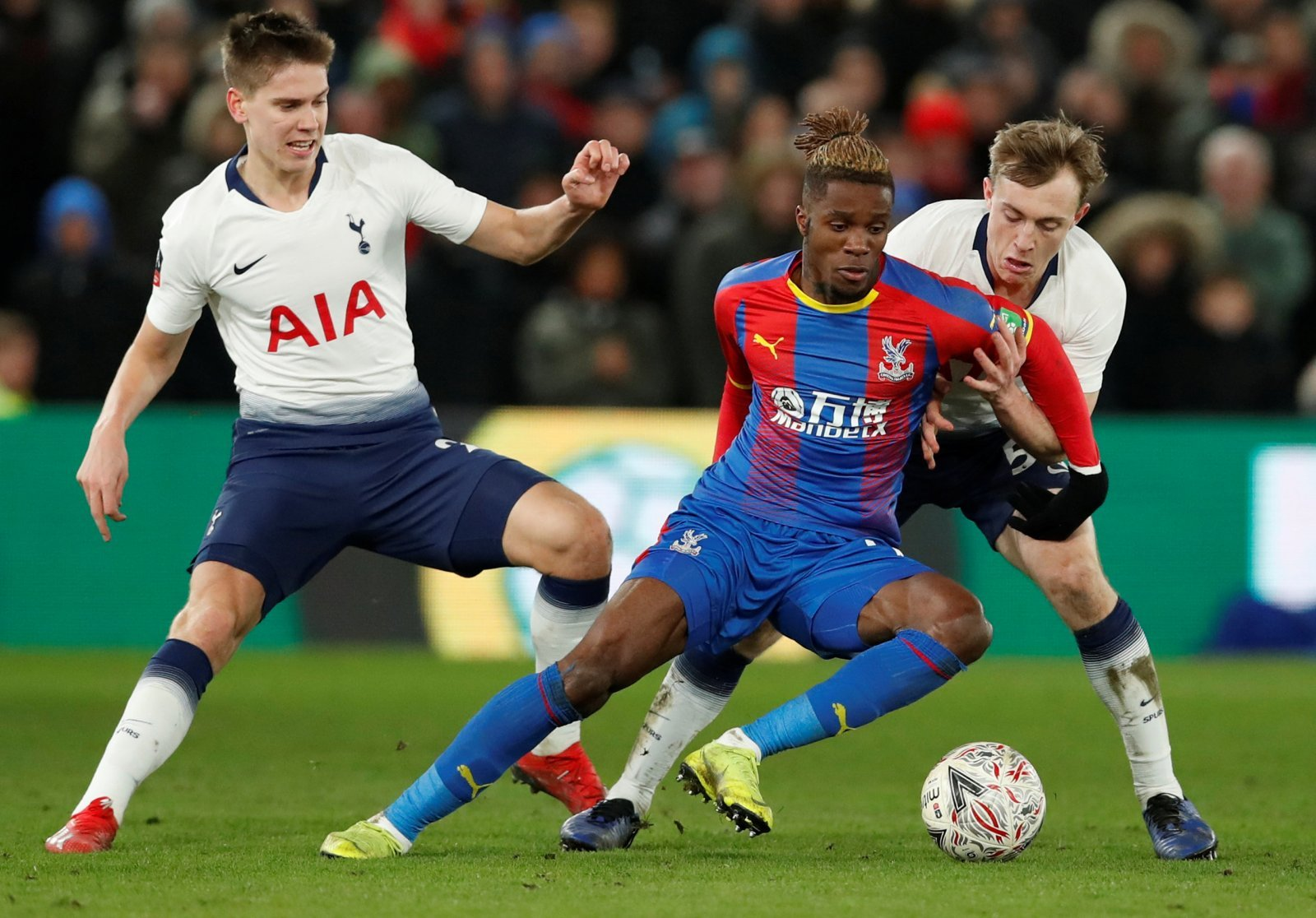 Crystal Palace: Wilfried Zaha may have 'beef' with Steve Parish, but not with fans