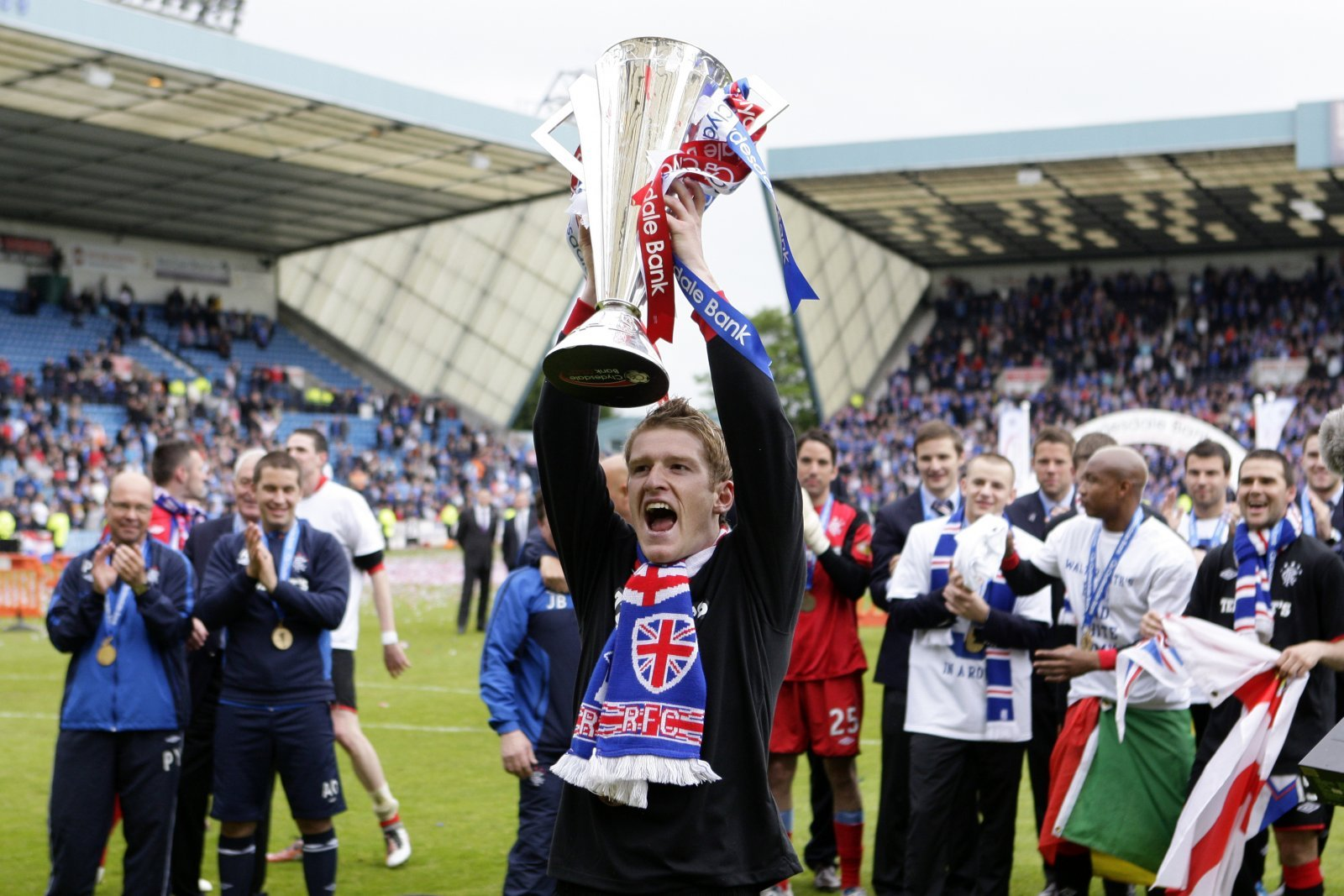 Rangers: Steven Davis can bring experience required to win title
