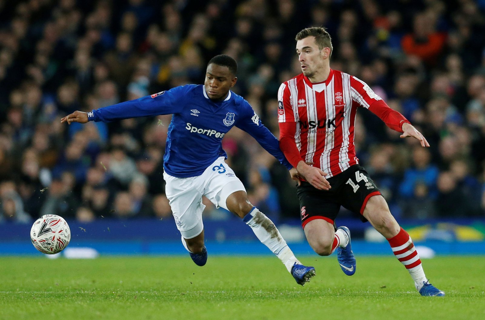 Everton just aren't treating Ademola Lookman right