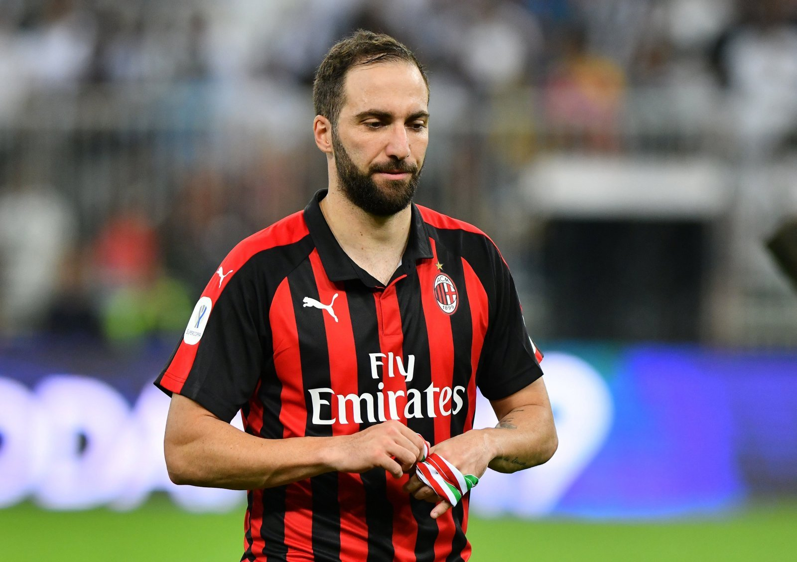 Chelsea in waiting game for Gonzalo Higuain