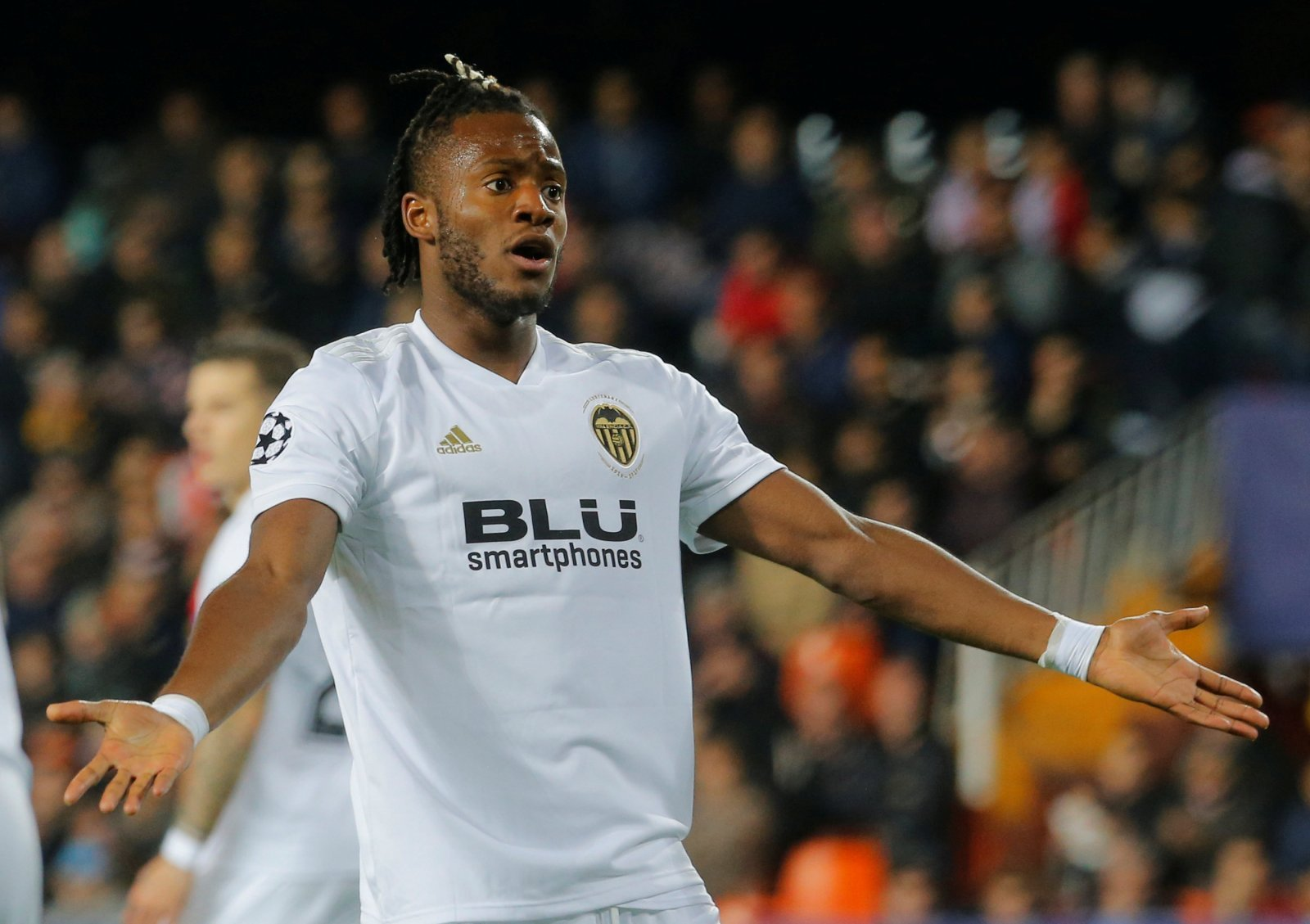 Everton line up £40 million move for Michy Batshuayi