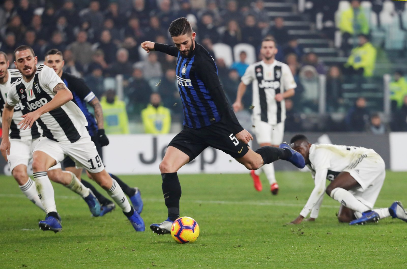 West Ham linked with a move for Roberto Gagliardini