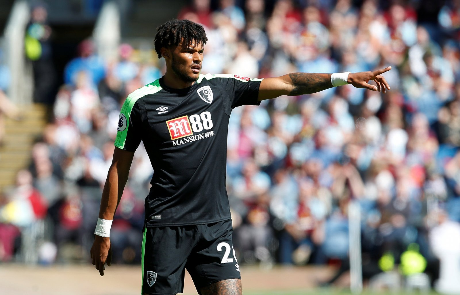 Leeds enter the race for Tyrone Mings