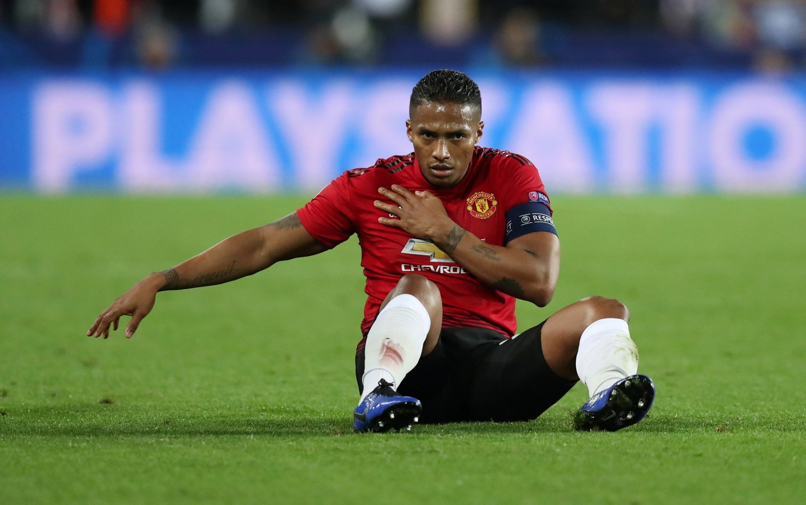 Antonio Valencia can bring much-needed experience to West Ham United
