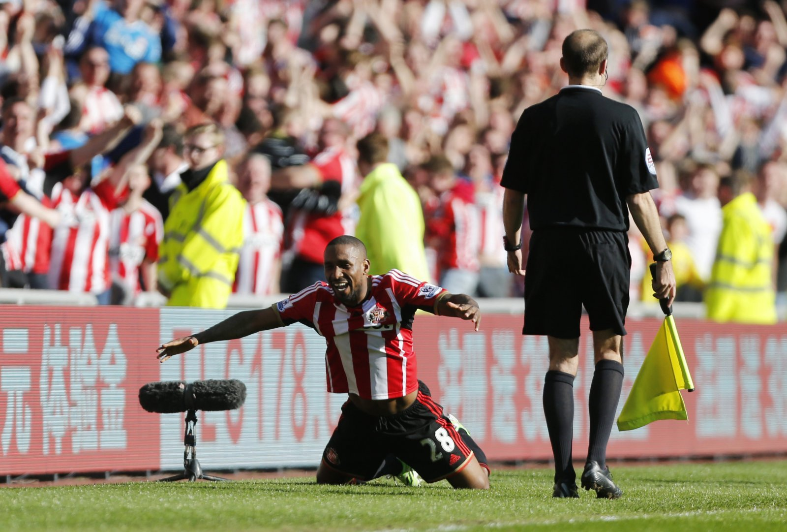 Best of Jermain Defoe: When Sunderland's hero won them Tyne-Wear bragging rights