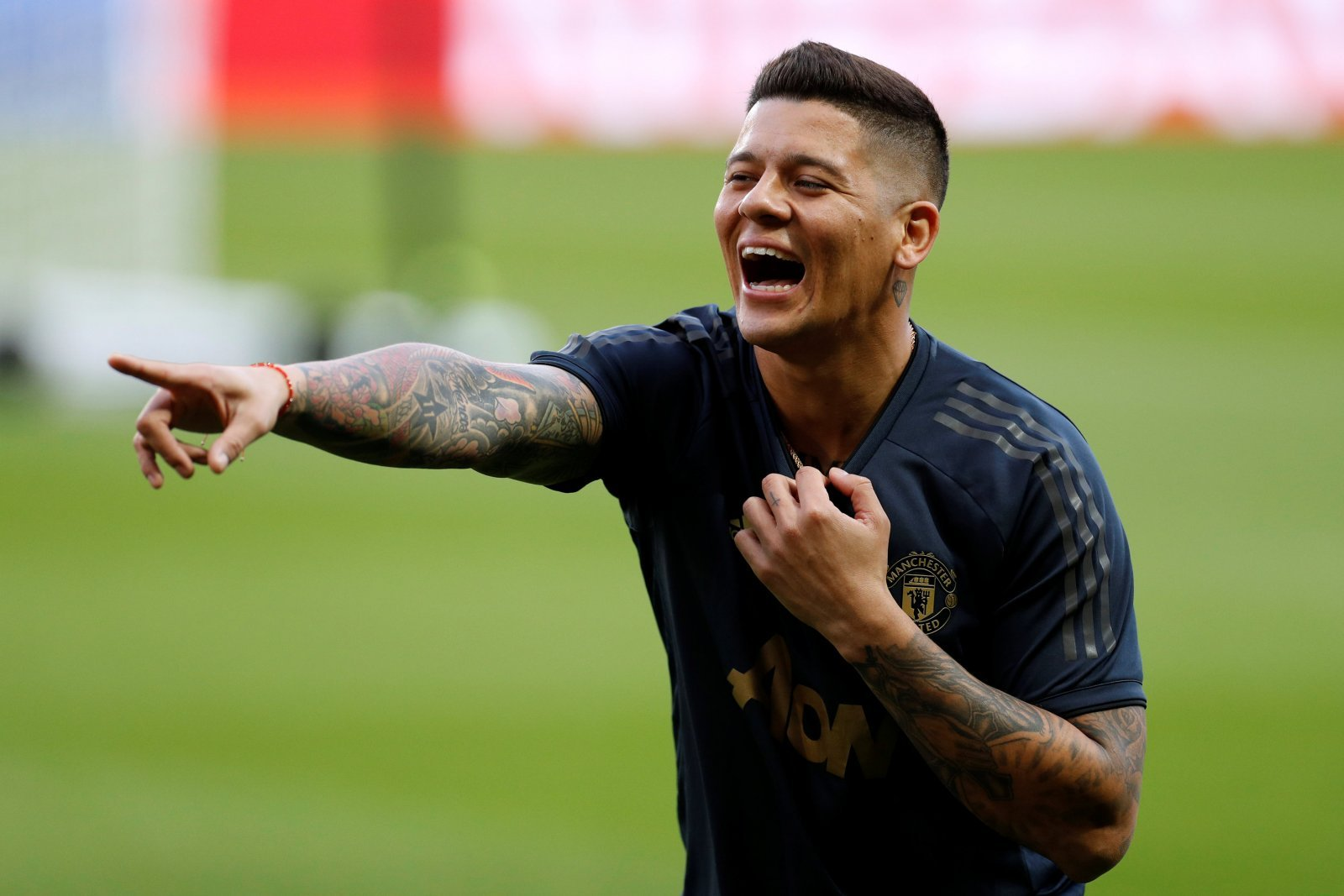 Manchester United: Marcos Rojo left seeting after move to Everton fails