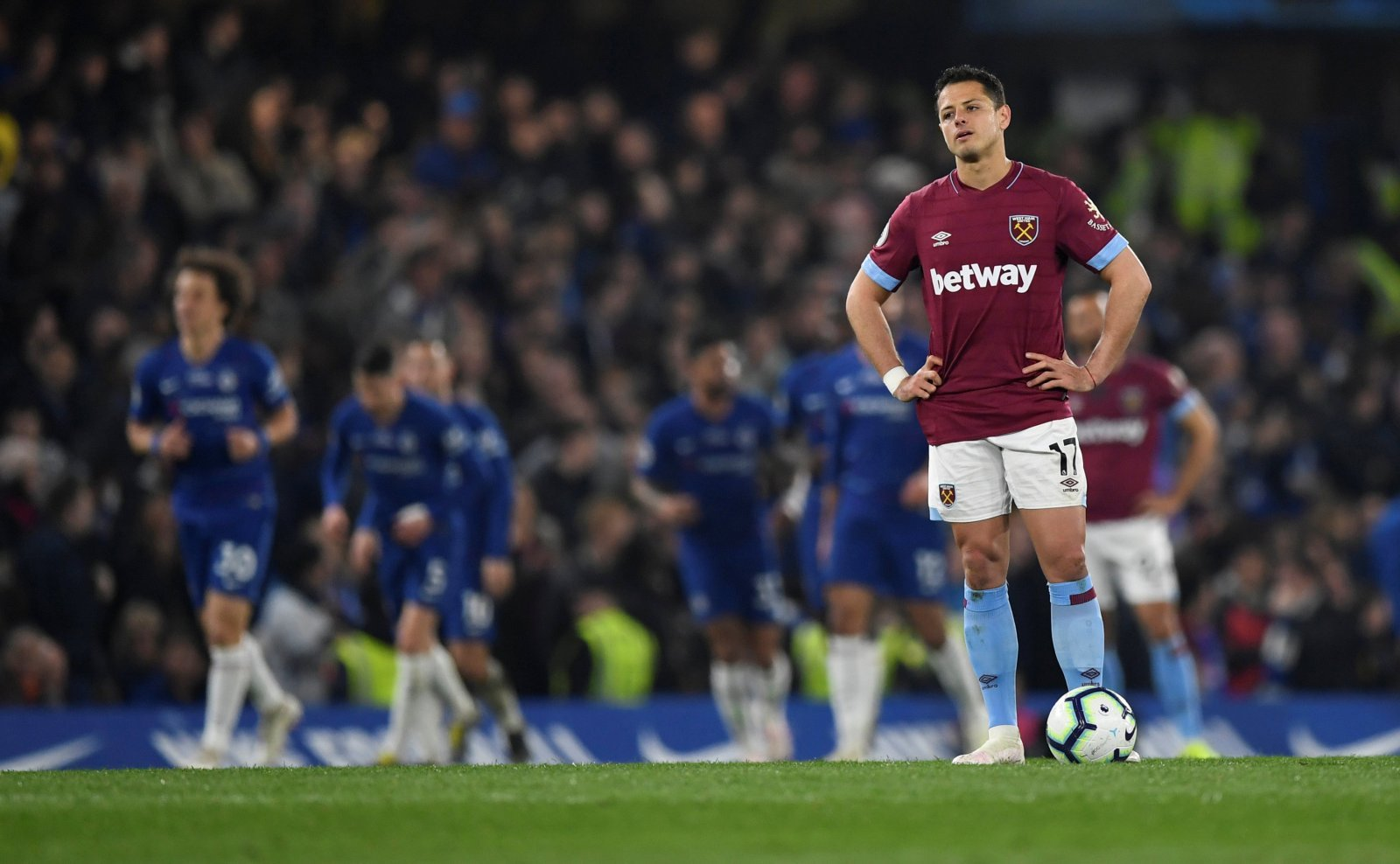 West Ham: Javier Hernandez's future for both club and country lies away from east London