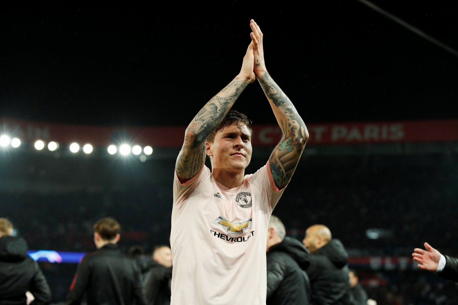 Manchester United: Fans give mixed response to Lindelof's international goal