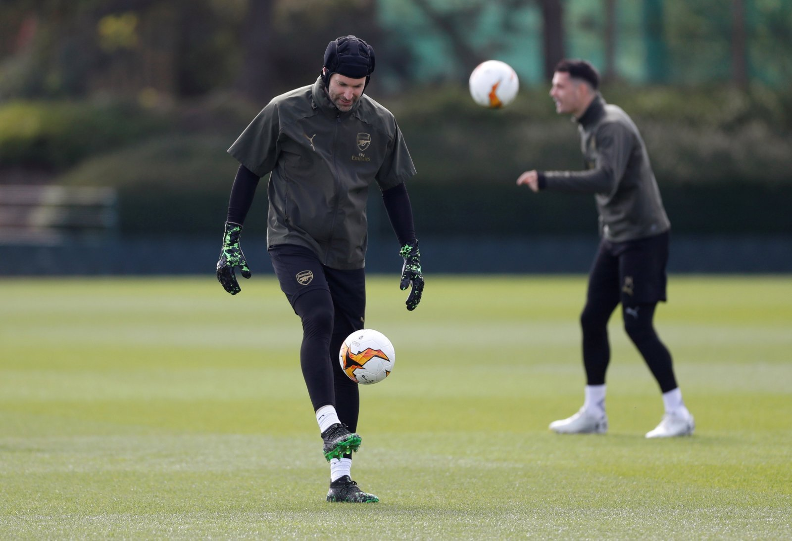 Arsenal: Unai Emery must not persist with the mistake of sticking with Petr Cech