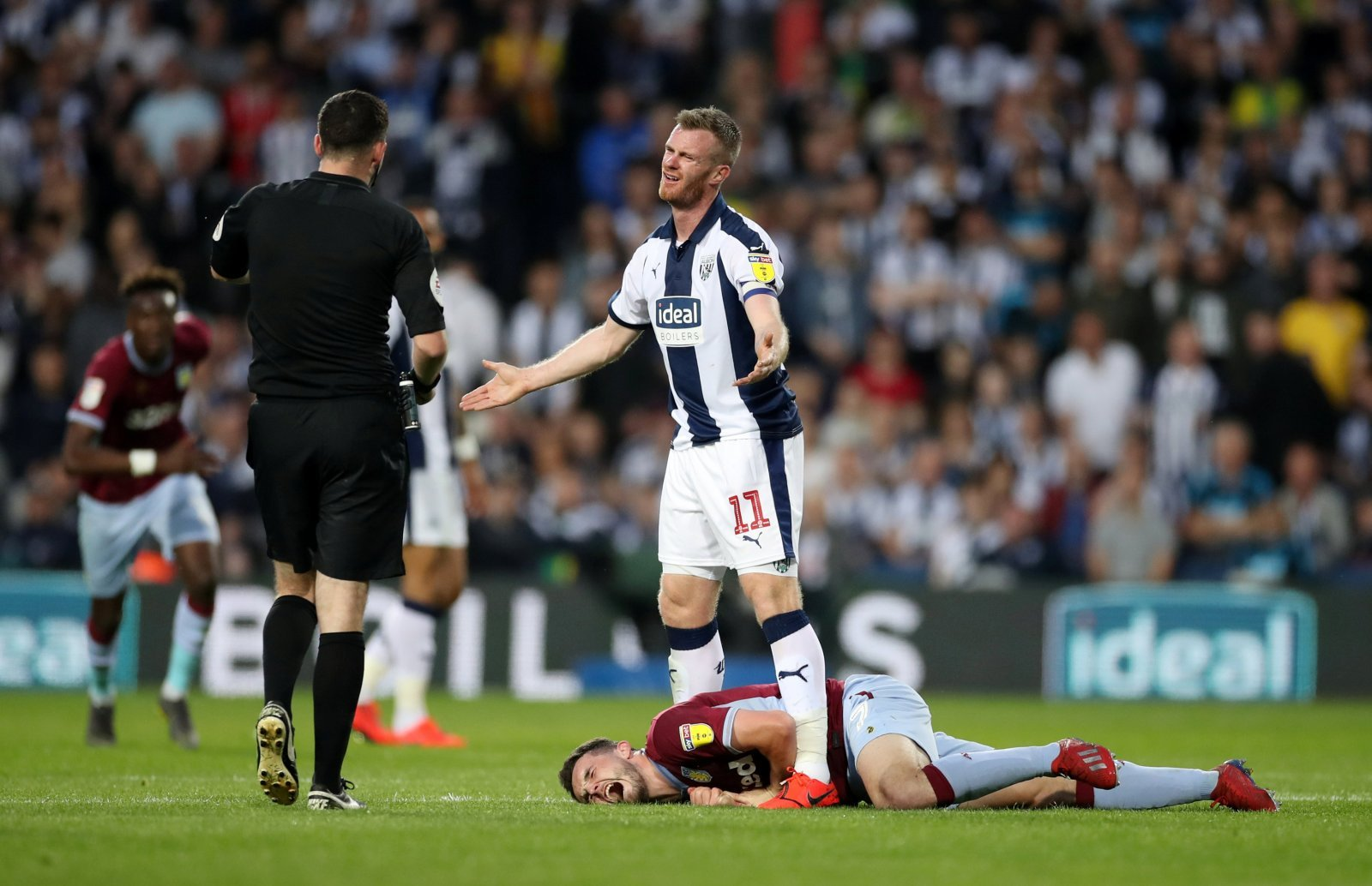 Chris Brunt cost his team dearly when they were relying on him the most