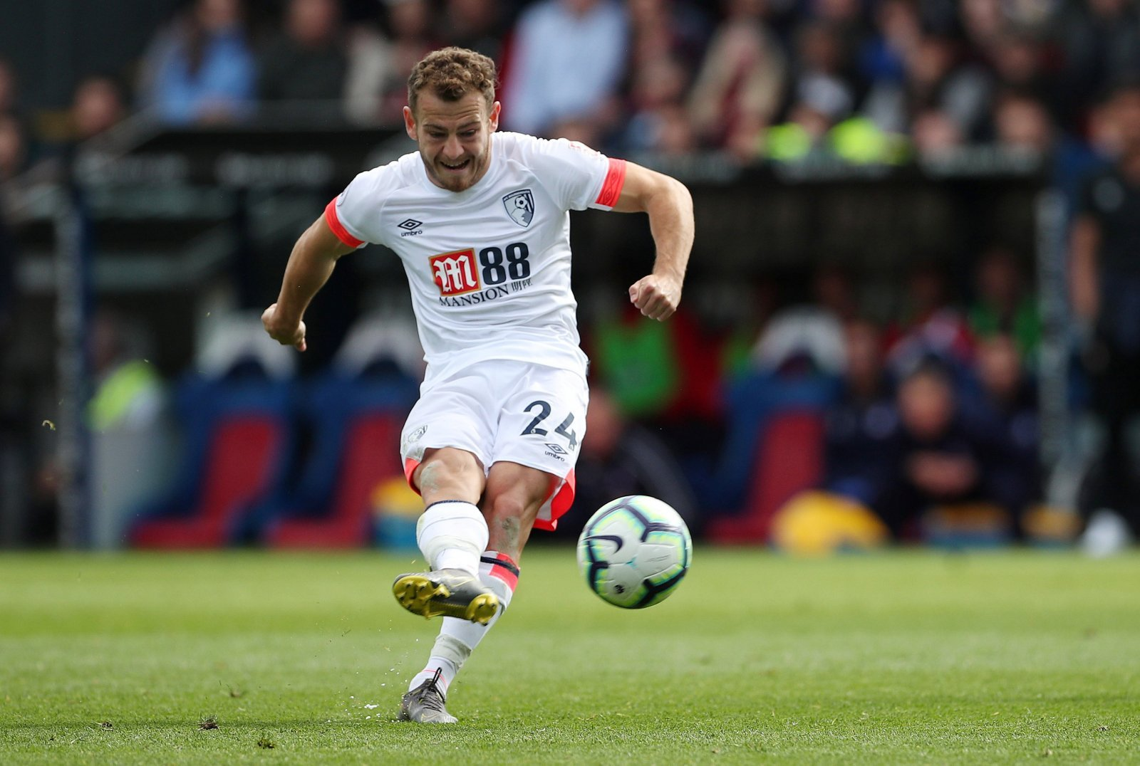 Bournemouth: Ryan Fraser would be crazy to choose Tottenham over Arsenal this summer