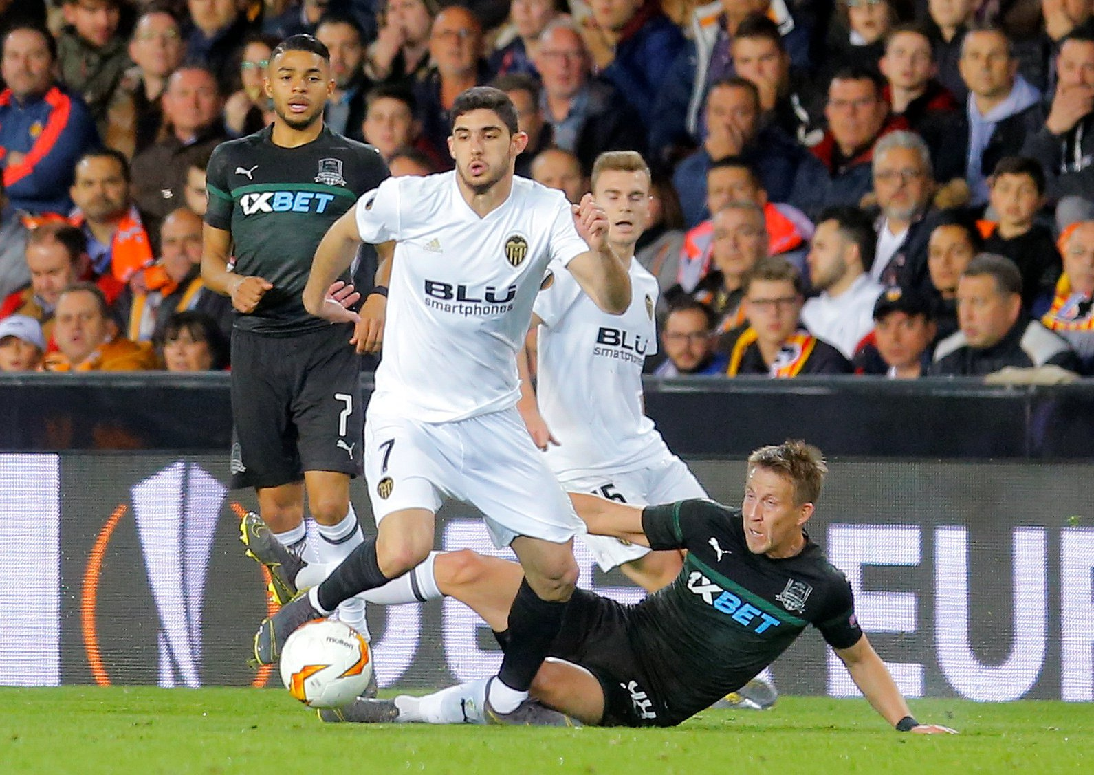 Dodged Bullet: Wolves and Goncalo Guedes