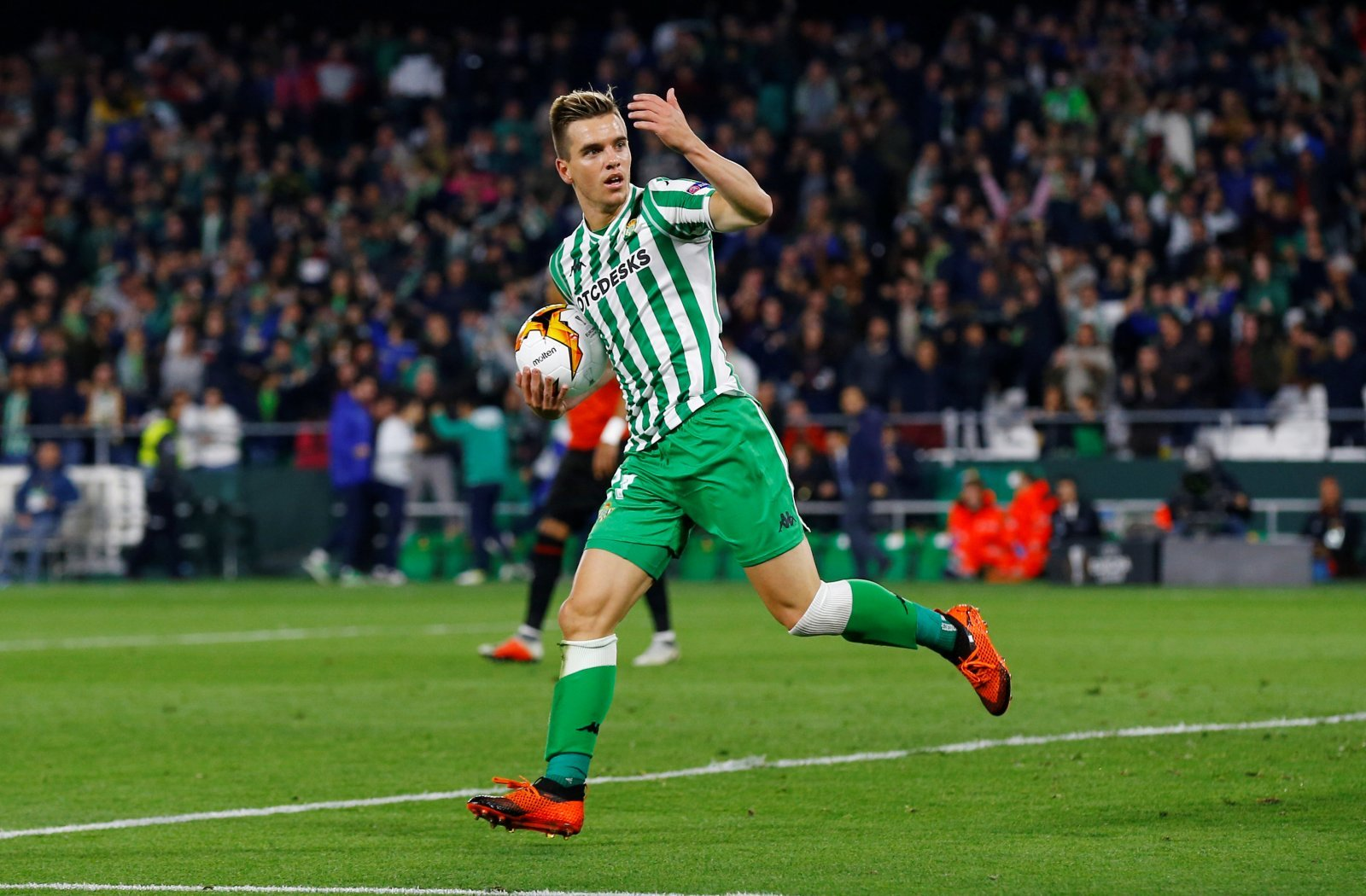 Giovani Lo Celso is the energy in midfield Manchester United so desperately need