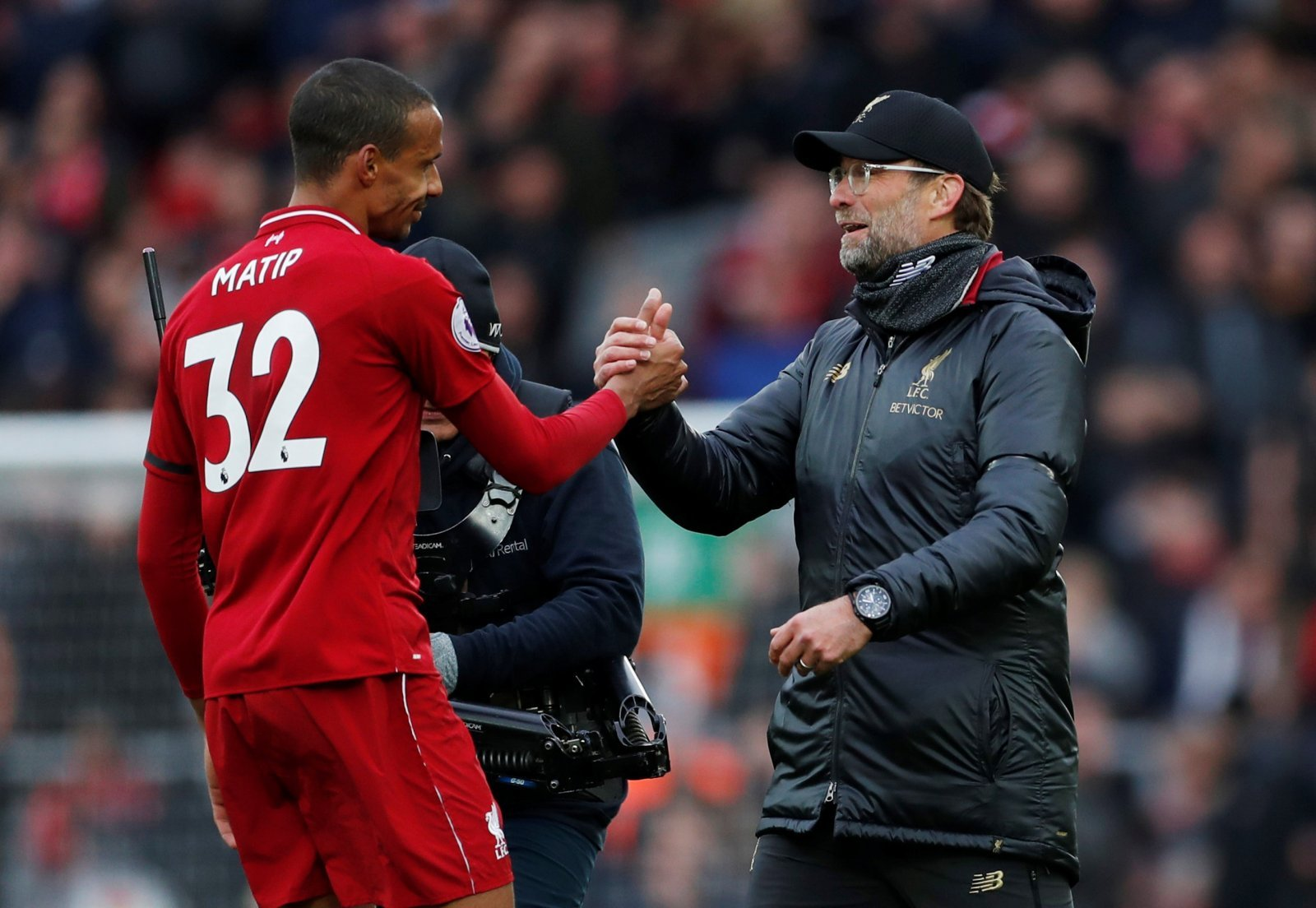 Liverpool: Fans want new contract for Joel Matip