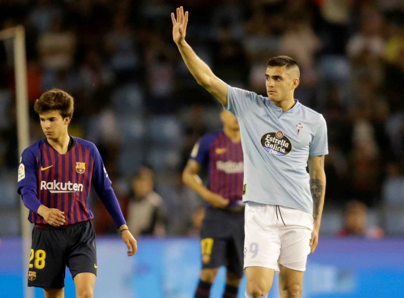 West Ham: Club-record deal for Maxi Gomez is off as Valencia win race