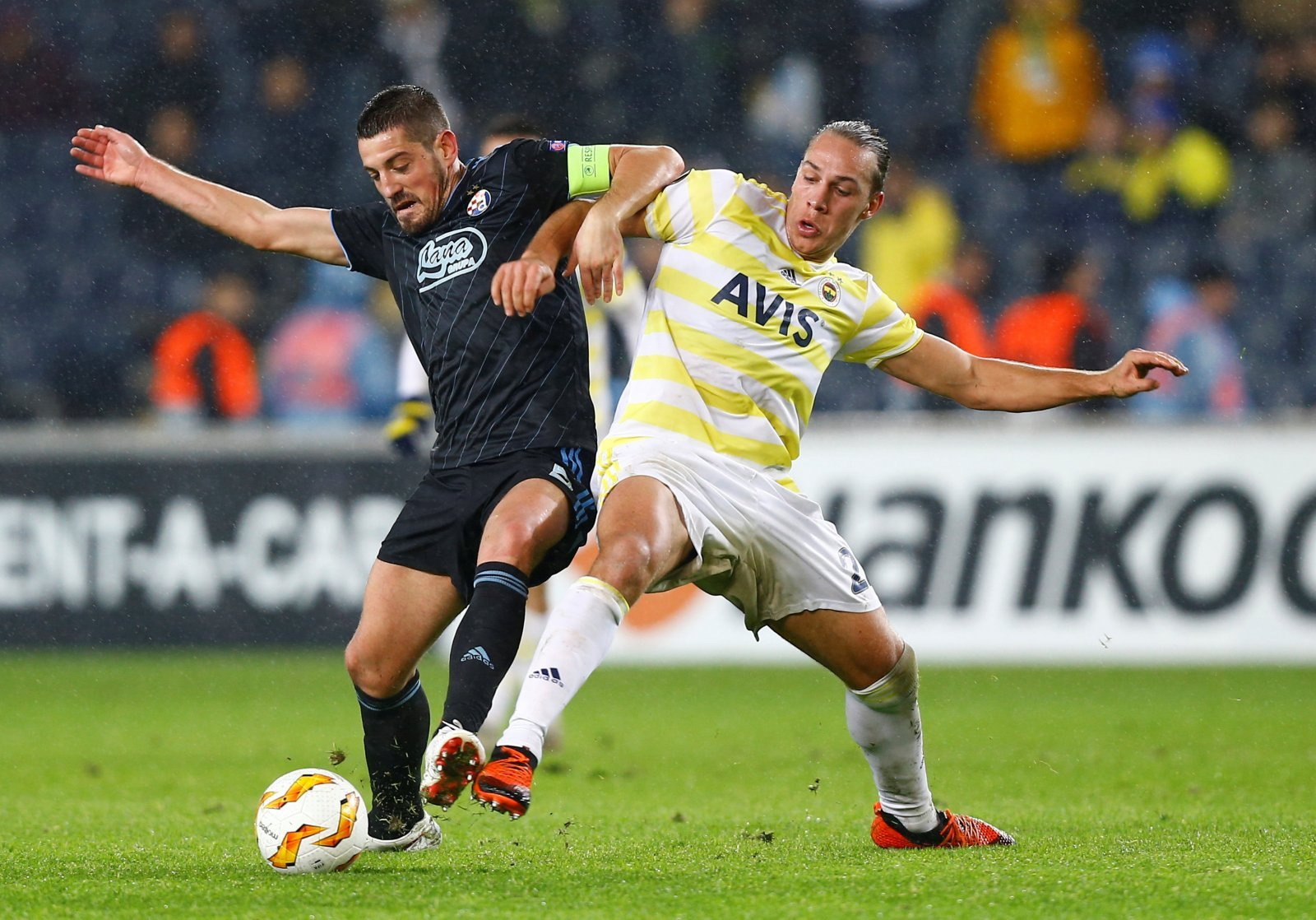 Leeds United: Whites still interested in signing Fenerbahce forward Michael Frey