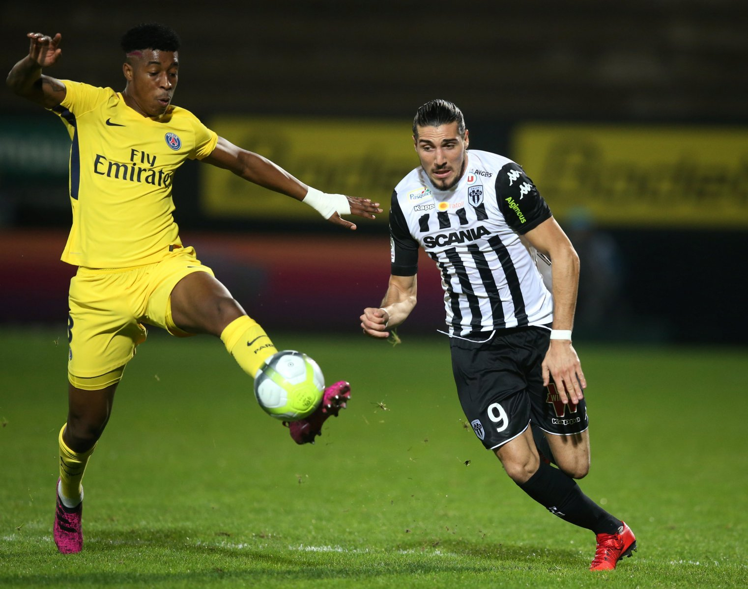 Middlesbrough: Smoggies make contact with French forward Enzo Crivelli