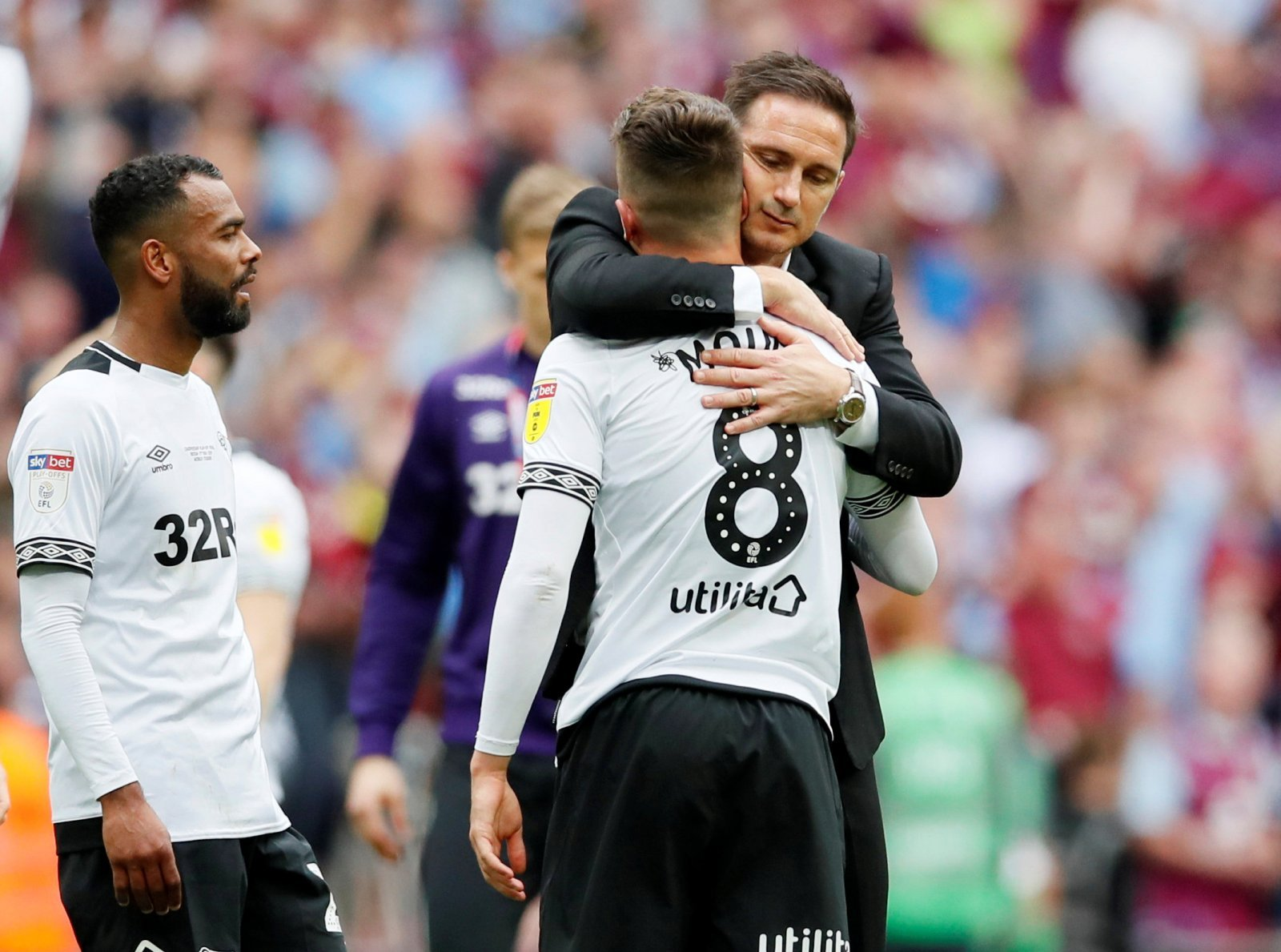Chelsea: Lampard fires warning to young stars despite handing Old Trafford starts