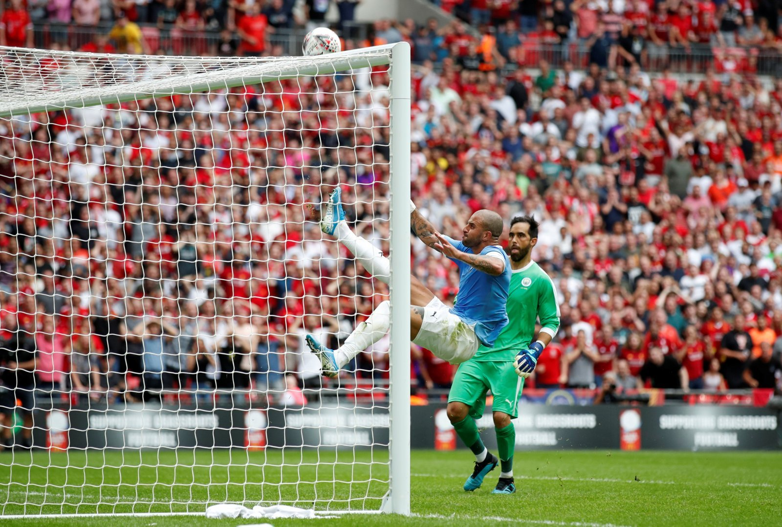Manchester City: Fans revel in stunning Kyle Walker clearance