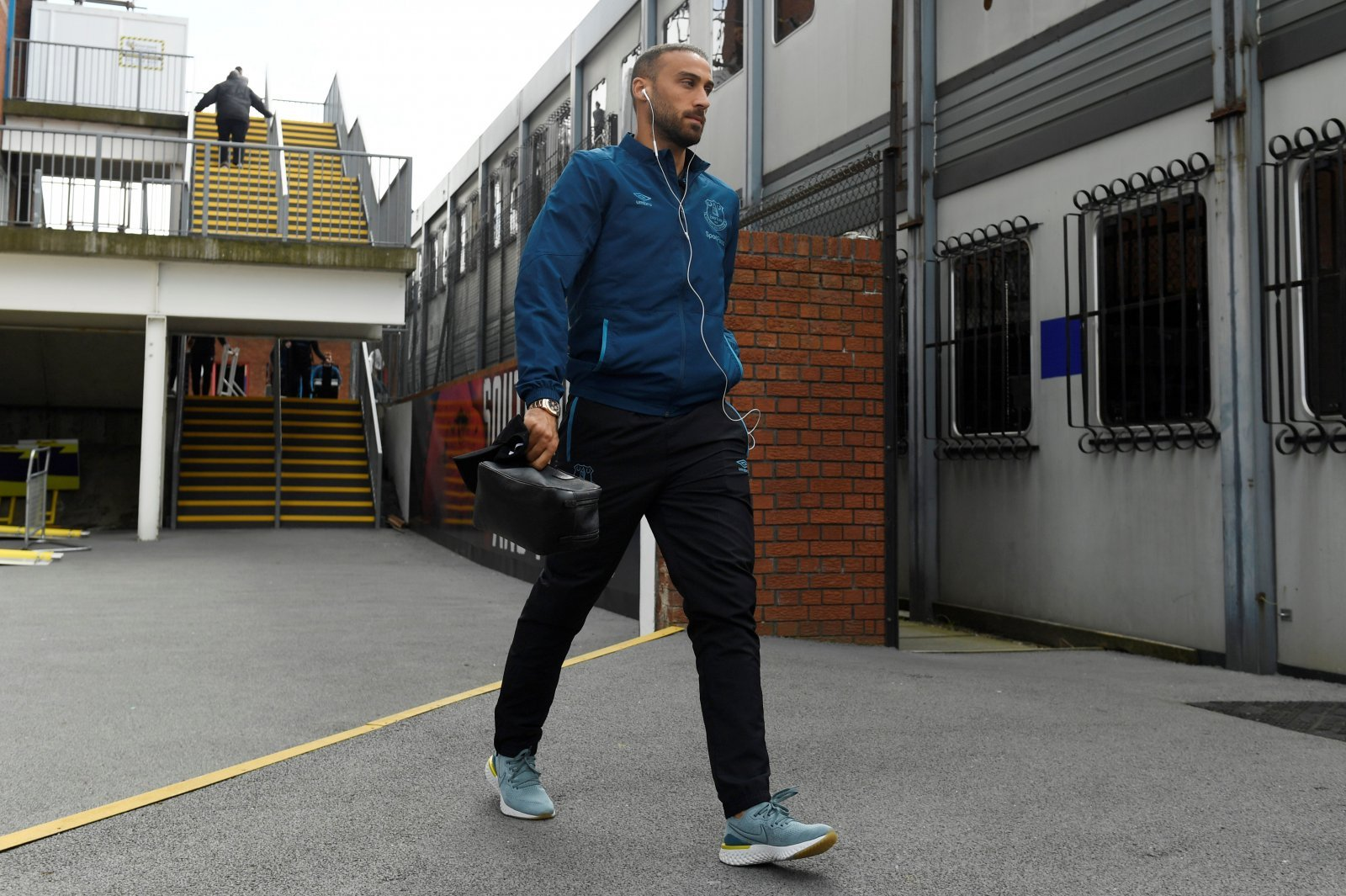 Everton: Tosun determined to stay at Goodison after Calvert-Lewin's struggles