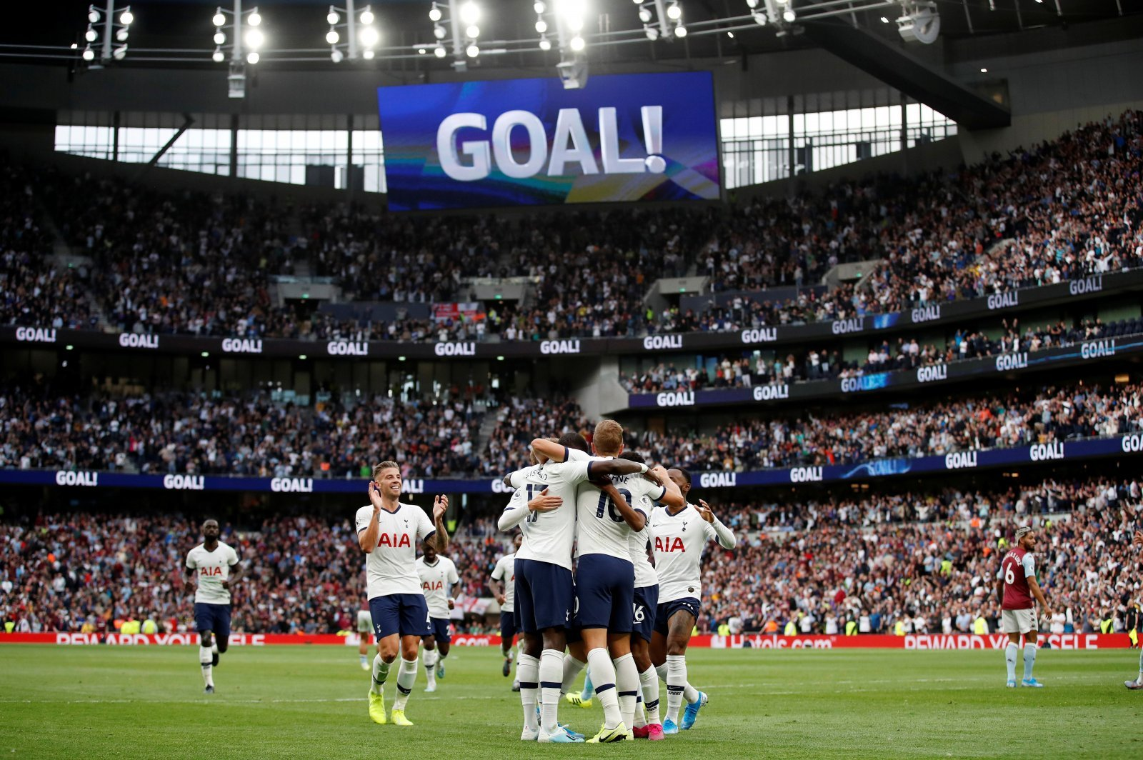 Tottenham: Fans just can't get enough of Harry Kane