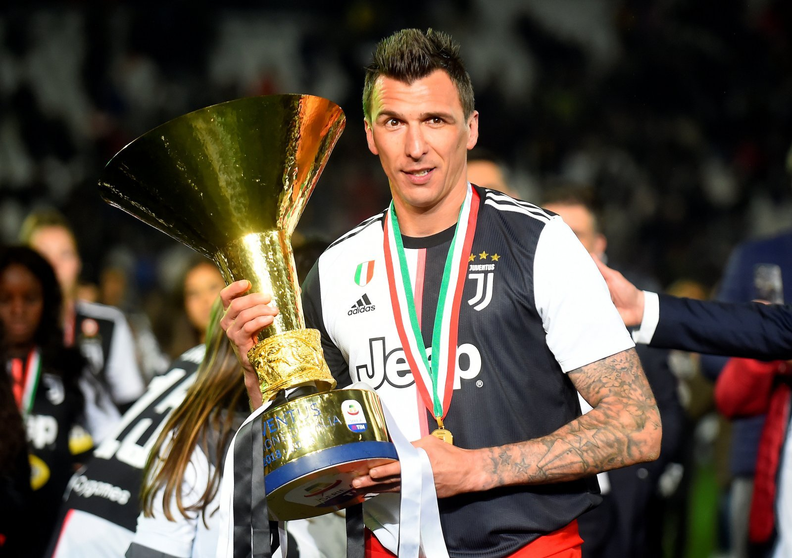 Manchester United: These fans don't want Mario Mandzukic at the club