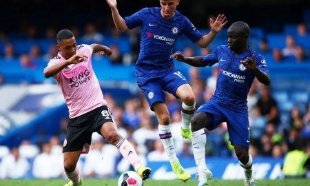 Leicester City's Youri Tielemans in action with Chelsea's Mason Mount and N'Golo Kante
