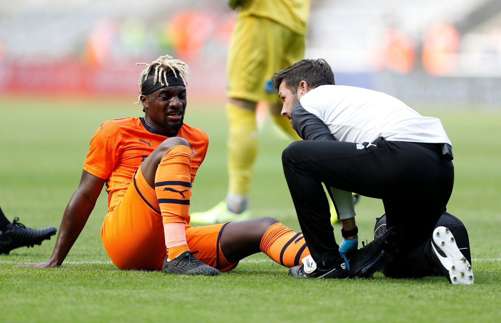 Newcastle United: Fans react as Steve Bruce confirms Allan Saint-Maximin and Andy Carroll are fit