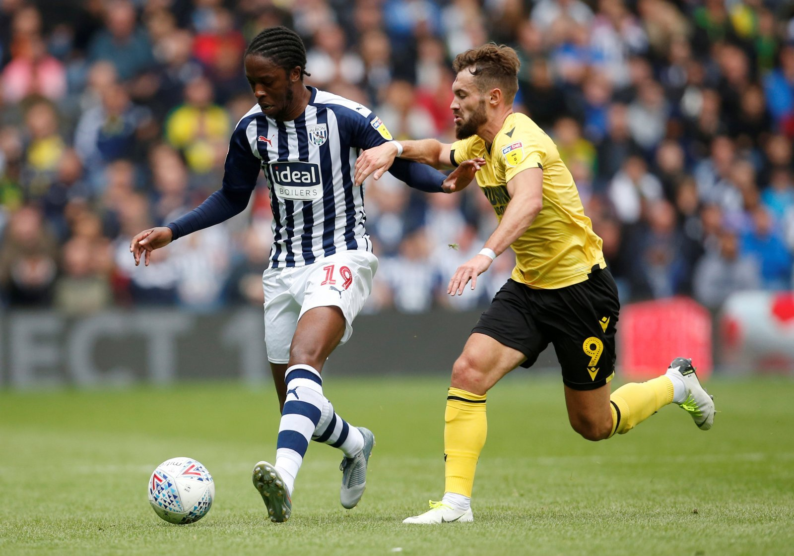 West Bromwich Albion: Fans fall in love with Romaine Sawyers following tweet