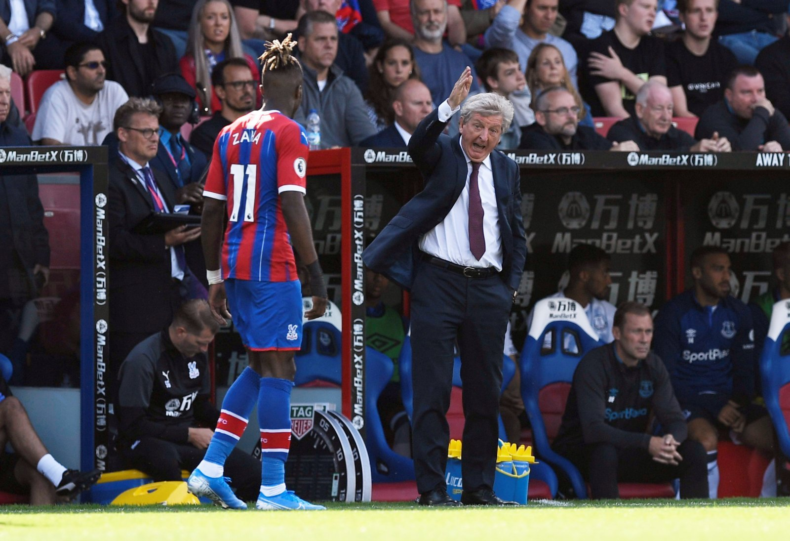 Crystal Palace: Hodgson impressed with Zaha despite continued transfer talk