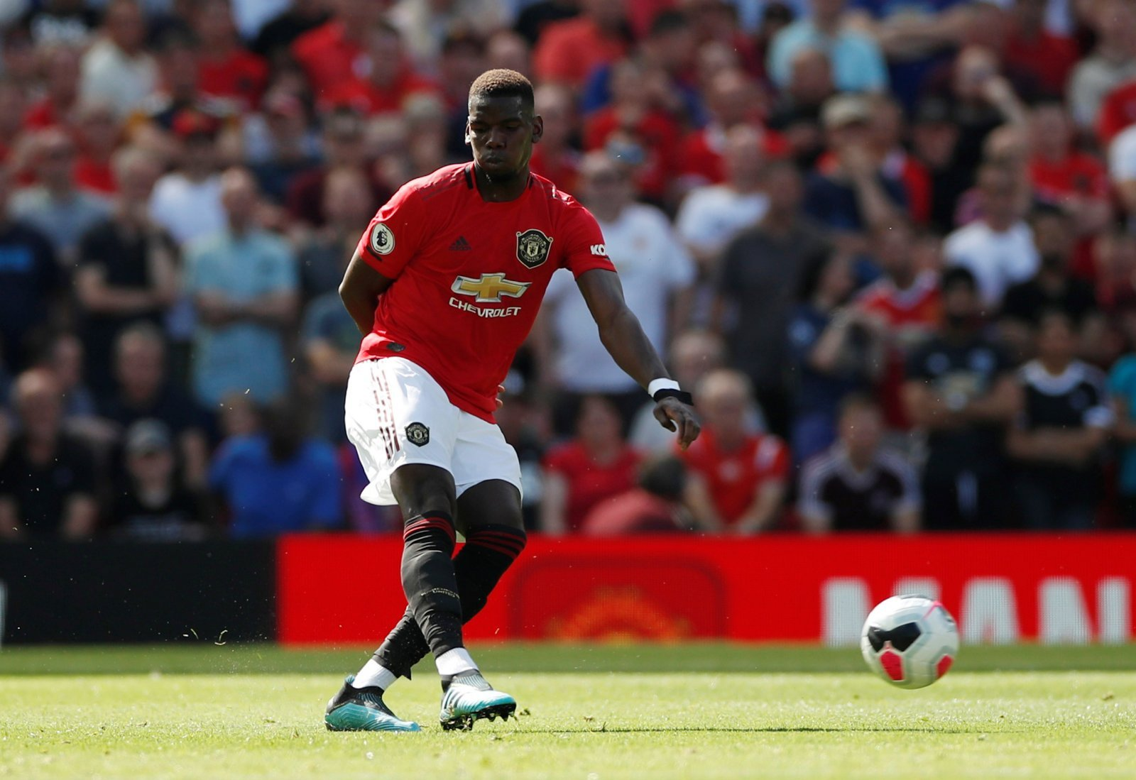 Manchester United: Club deny claims Paul Pogba's holding them to ransom