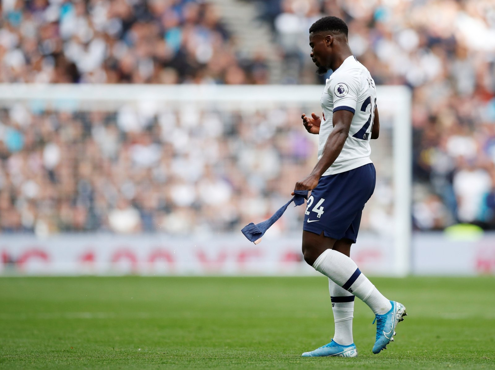 Tottenham Hotspur: Spurs ready to cut their losses with Serge Aurier
