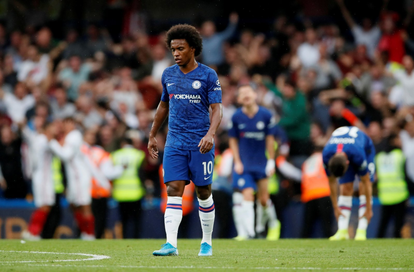 Chelsea: Handing Willian new contract makes perfect sense