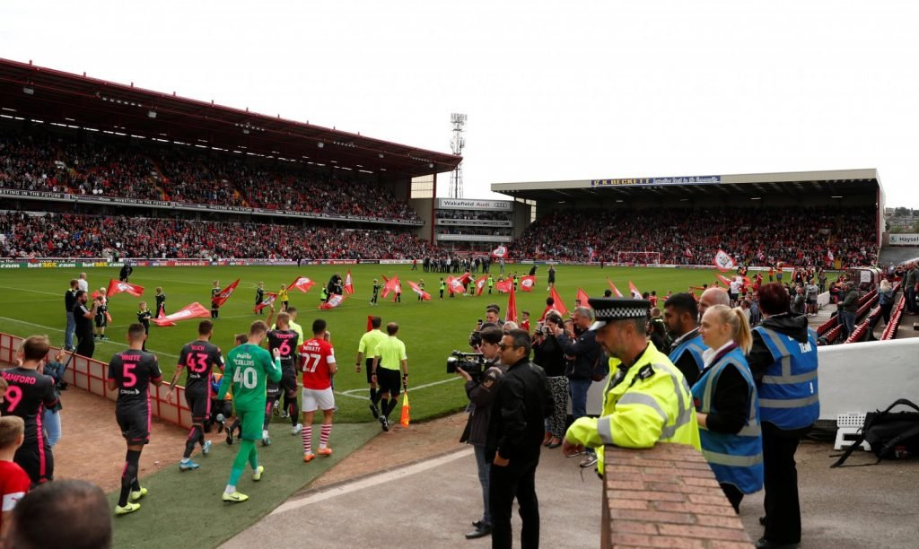 General-view-as-the-players-walk-out-on-to-the-pitch-at-oakwell-before-the-barnsley-v-leeds-united-match-1024x612