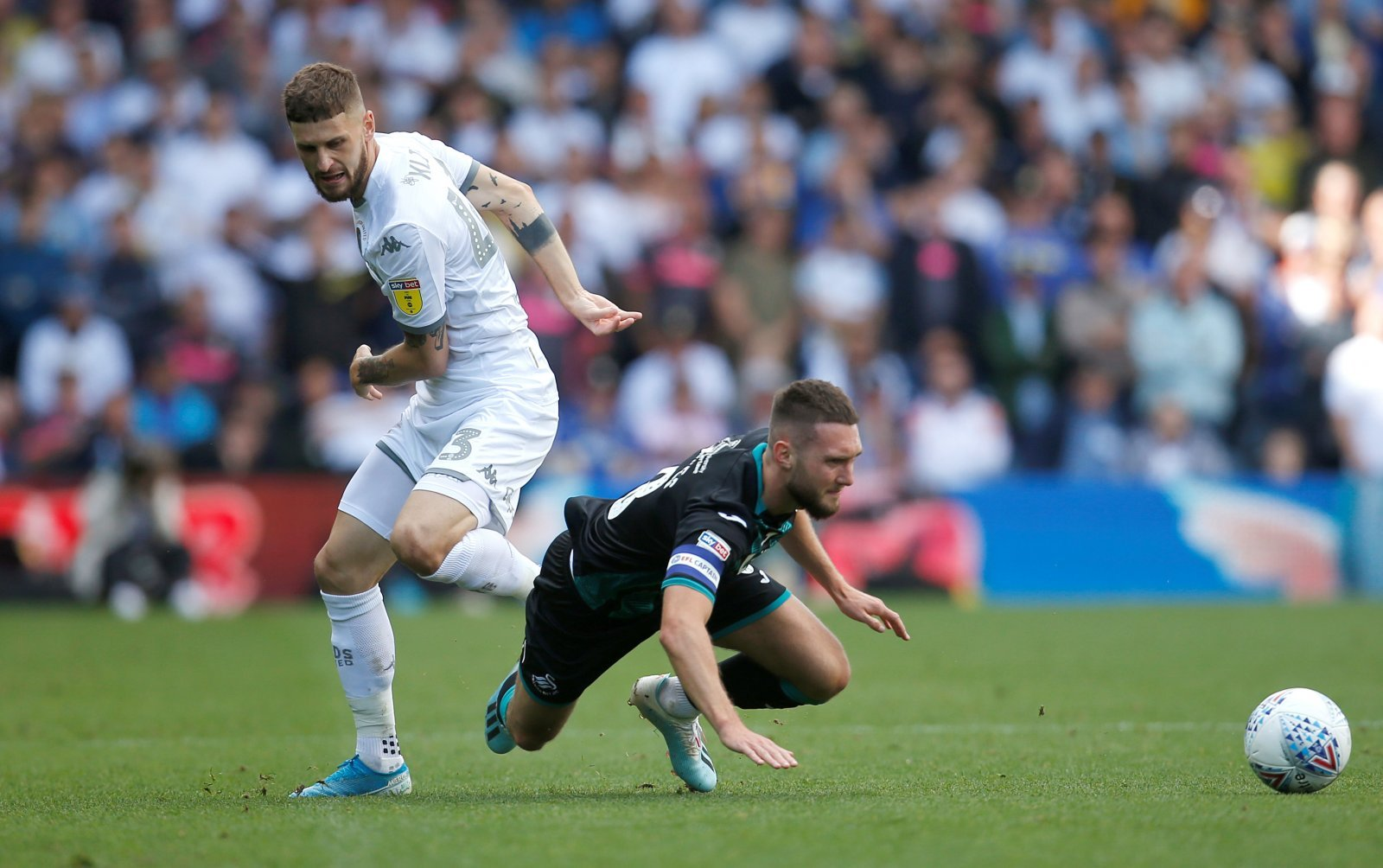 Leeds United: Fans want to see Mateusz Klich dropped from starting 11