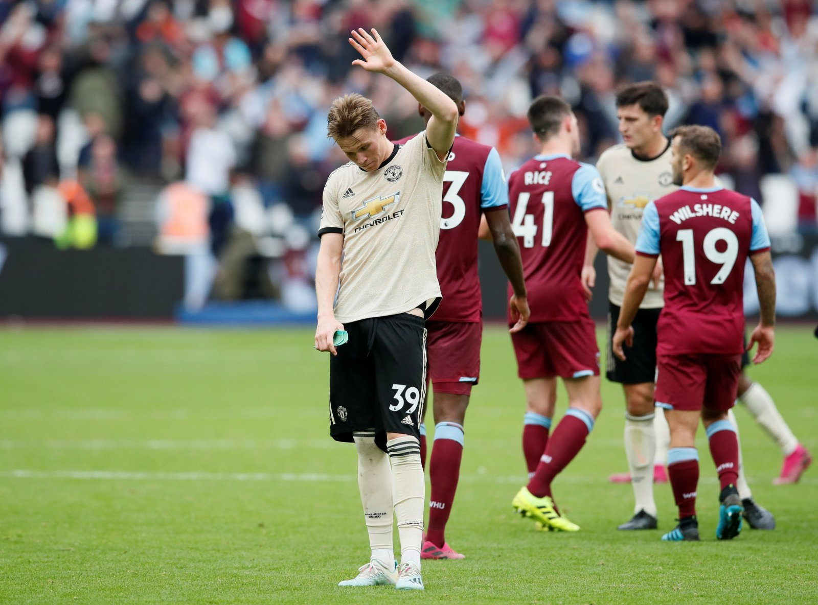 Manchester United: Fans react as Mourinho praises 'dominant' McTominay