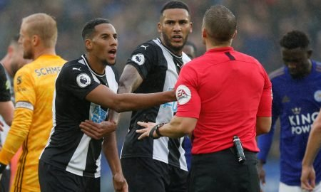 Newcastle United's Isaac Hayden remonstrates with referee Craig Pawson before being shown a red card for a foul on Leicester City's Dennis Praet