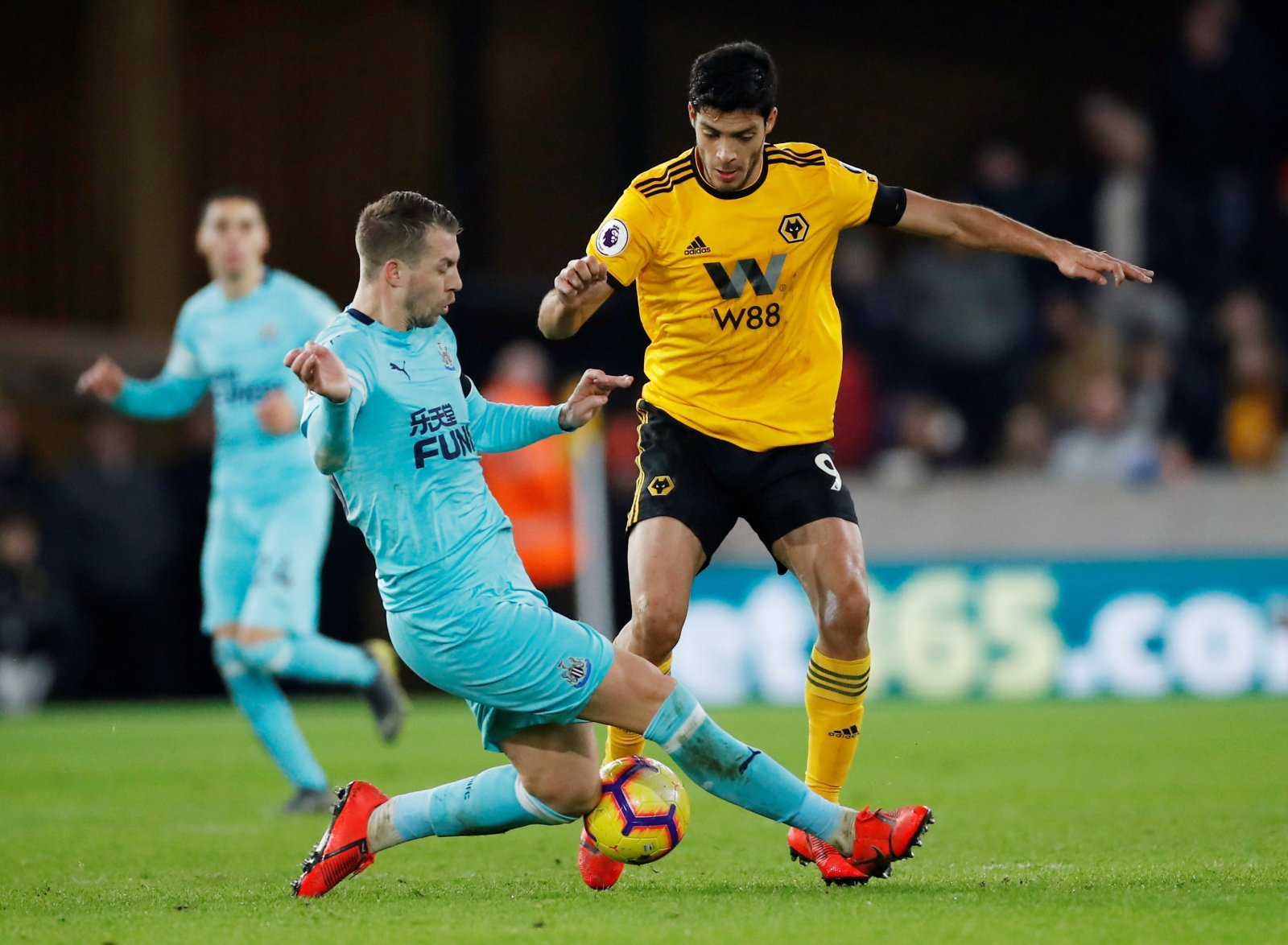 Wolves: Fans react to Raul Jimenez substitution
