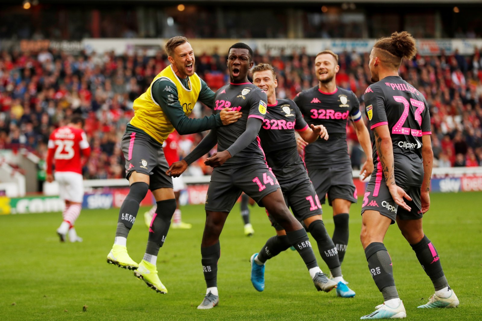 Leeds United: Fans poke fun at Bristol City after Eddie Nketiah update