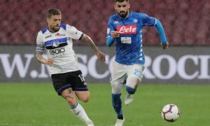 Atalanta's Alejandro Gomez in action with Napoli's Elseid Hysaj