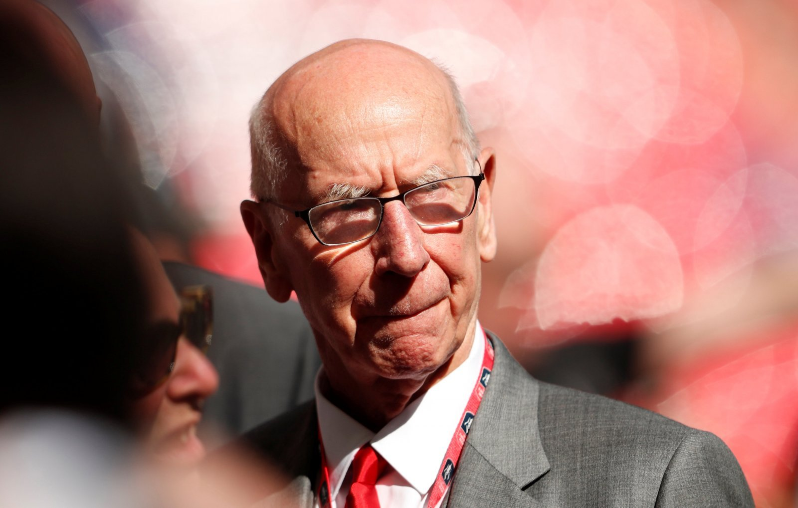Manchester United: Fans ask if Bobby Charlton can play against Liverpool