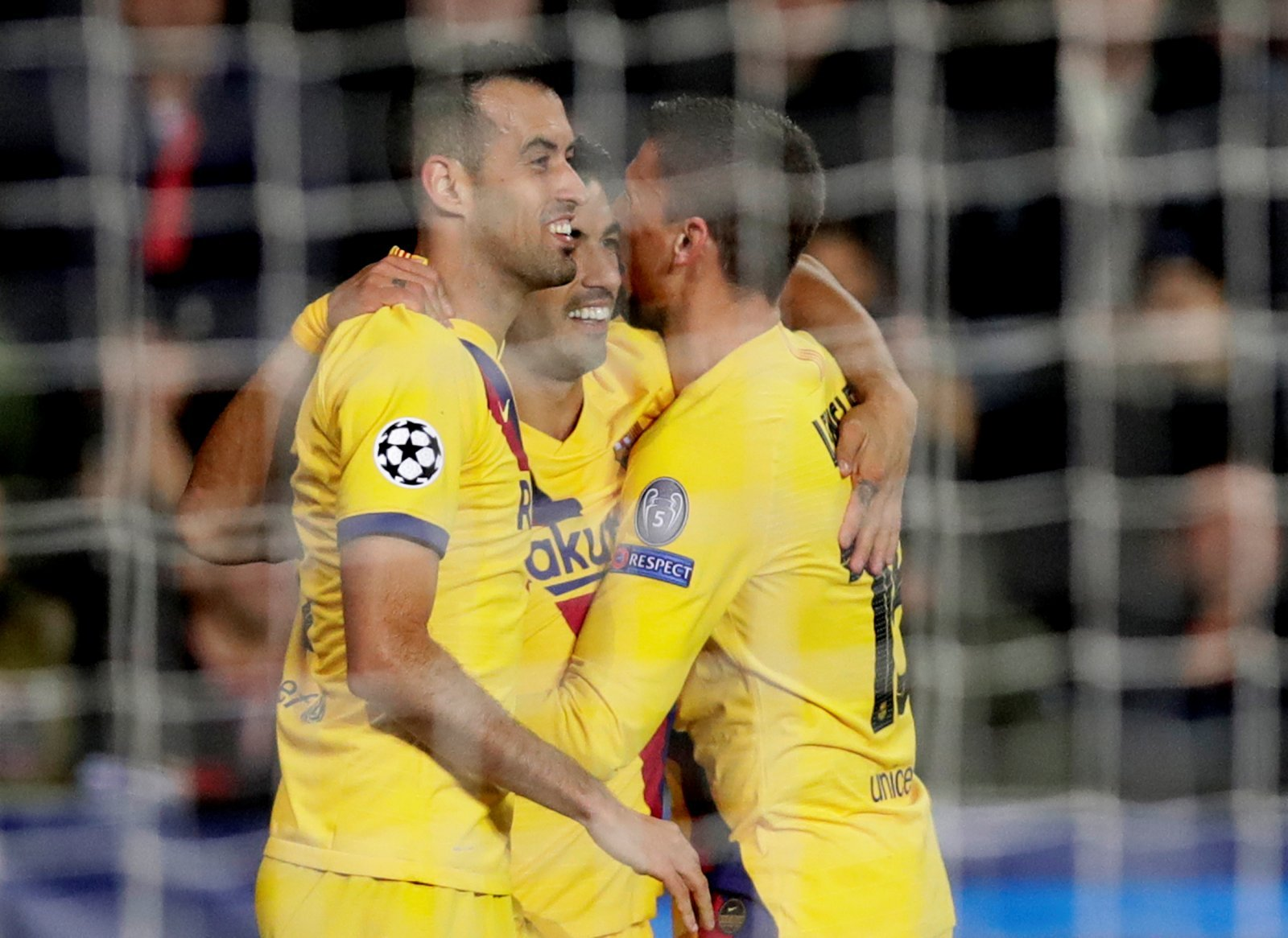 Barcelona: Fans think Sergio Busquets is finished after Slavia Prague performance