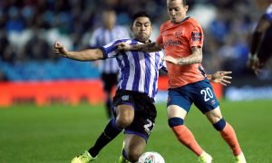 Everton's Bernard in action with Sheffield Wednesday's Massimo Luongo
