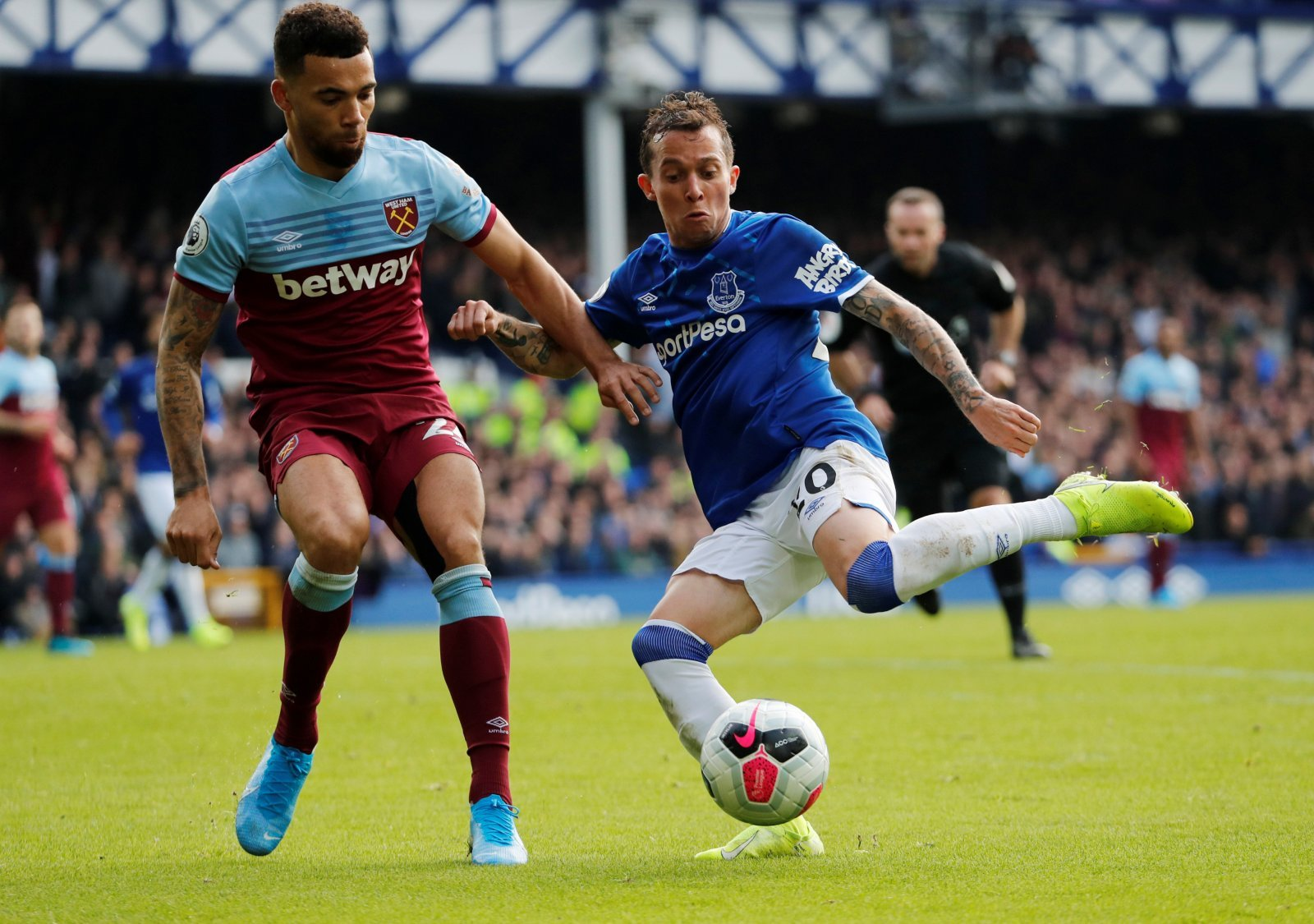Everton's Bernard in action with West Ham United's Ryan Fredericks