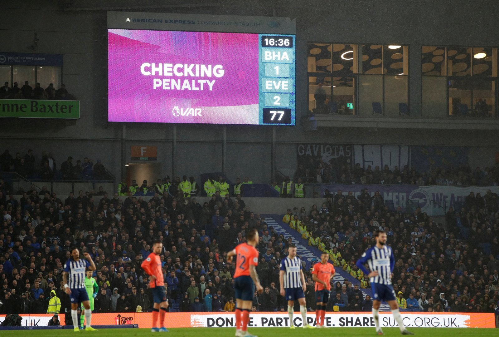 Everton: Fans slam VAR Lee Mason and referee Andy Madley for penalty decision at Brighton & Hove Albion