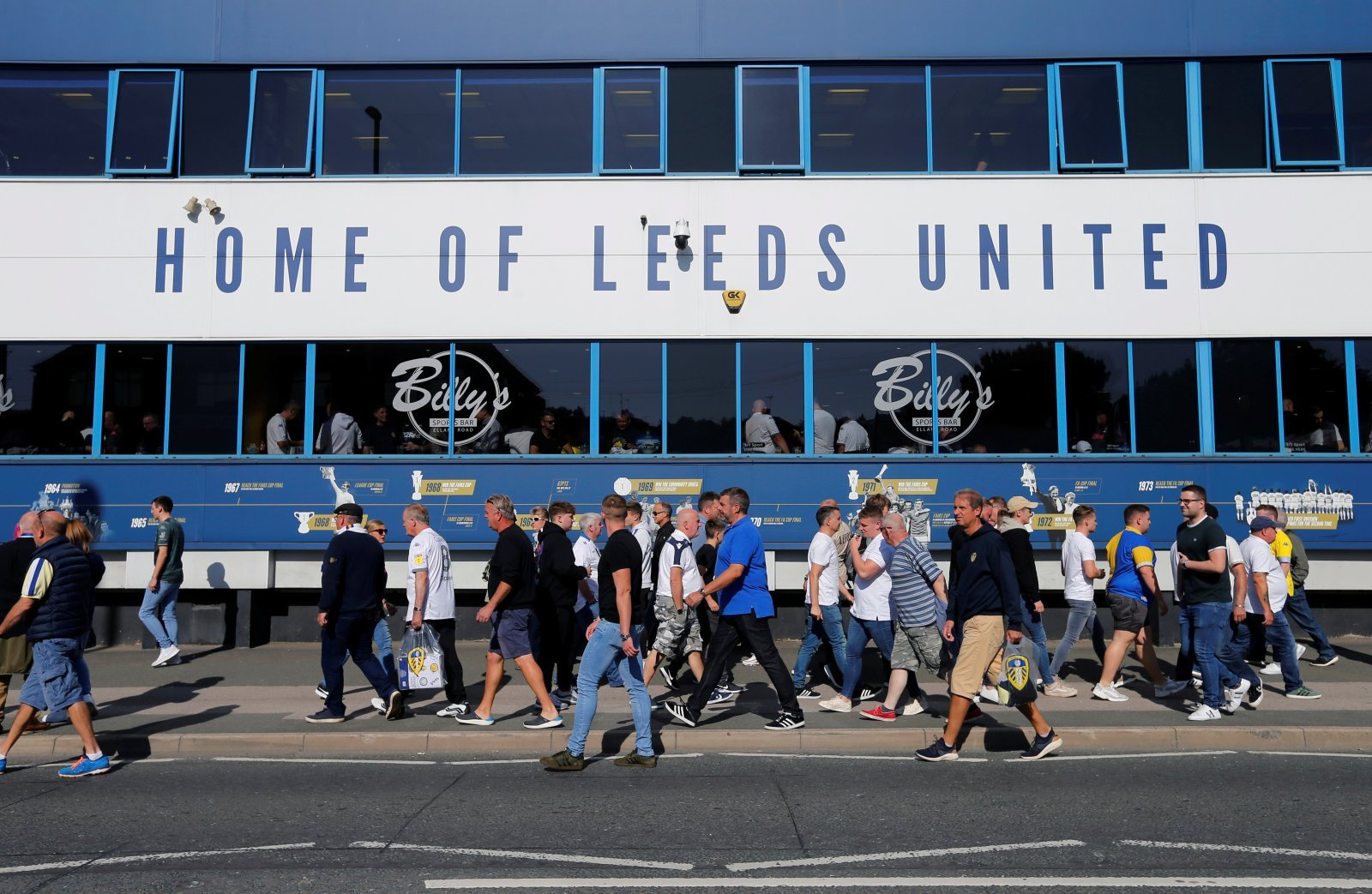 Leeds United: Fans discuss Mowatt throwback
